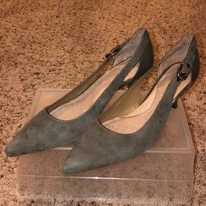 Brand new Circa Joan & David Gray Suede Pumps